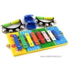 Set di tre strumenti musicali in legno