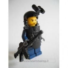 Brick-one Poliziotto con mitraglaitore