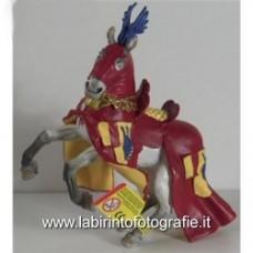 Cavallo rosso e bianco
