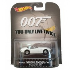 Toyota 2000GT Roadster James Bond 007 You Only Live Twice Hot Wheels