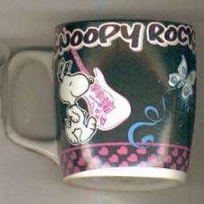 snoopy mug rock