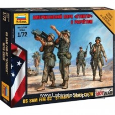ZVEZDA Hot War: American PZRK - Stinger 1/72