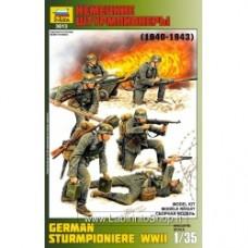 ZVEZDA German Sturmpioniere WWII KIT 1:35