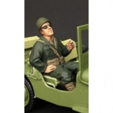 1/18 WWII USA Soldier Seated