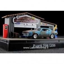 Motormax Moments in time: Parts For Less 1:64 DIORAMA