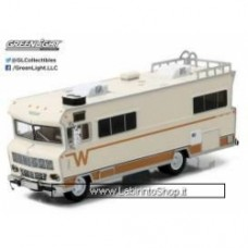 Greenlight Walking Dead 1973 Winnebago Chieftain Heavy Duty Trucks