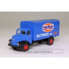 Vanguards VA18000 Leyland Comet Box Van Ever Ready Batteries Blue 1/64