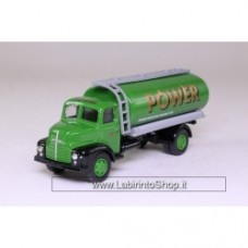 Vanguards VA20000 Leyland Comet Tanker Power Petrol 1/64