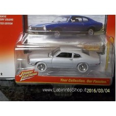 Johnny Lightning Classic Gold 1/64 1972 Ford Maverick White