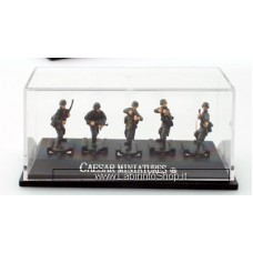 Caesar: Panzergrenadiers tedeschi WWII set 5 (later set, pose d'attacco) - miniature dipinte a mano con display e basetta