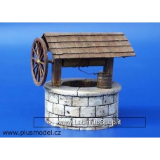 Plus Model Plus 016 - Well with well winch 1/35