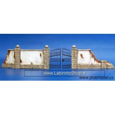 Plus Model Plus 007 - Wall with metal gate 1/35
