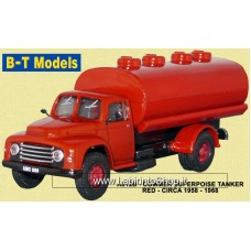 B-T Models A012B Commer Superpoise Tanker - Red 1958 - 1968 1/76