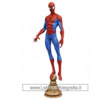 Diamond Select Spiderman Figurine