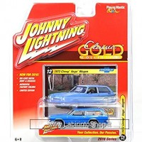 Johnny Lightning 1972 Chevy Vega Wagon Classic Gold Collection Series