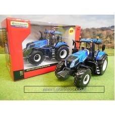 Britains 1/32 scale New Holland T8.435 Tractor