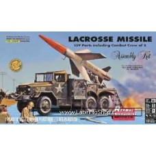 Revell 85-7824 1:32 LaCrosse Missile & Truck