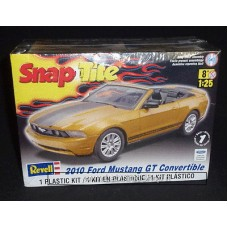 Revell Snap Tite 2010 Ford Mustang GT Convertible 1/25