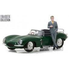 Greenlight 1:43 1956 Jaguar XKSS with Steve Mcqueen Figure Steve Mcqueen Collection 1930-80 (Limited Edition)