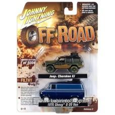 Johnny Lighting - Off Road  - 1/64 - 1998 Jeep Cherokee XJ 1976 Chevrolet G-20 Van