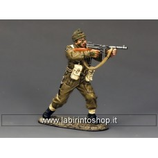 DD191 Sergeant firing 'Tommy' Gun