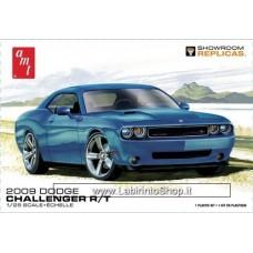 AMT 2009 Dodge Challenger R/T 1:25 scale model