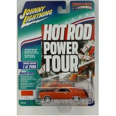 Johnny Lighting - Hot Rod Power Tour - Muscle Cars USA - 1970 Dodge Dart Swinger (Diecast Car)