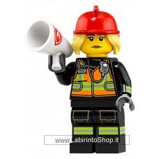 Serie 19: Female Firefighter