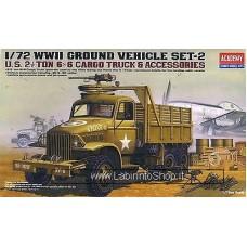 Academy U.S. 2.5Ton Cargo Truck And Accessories (Plastic model) 1/72