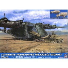 Pit-road Luftwaffe Transport Aircraft Me 323E-2 Gigant w/Sd.Kfz.251 & Military Truck (Plastic model)