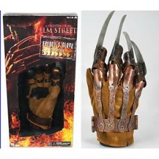 NIGHTMARE ON ELM STREET FREDDY KRUEGER GLOVE NECA
