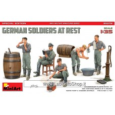 Dragon 1/35 German Soldiers At Rest